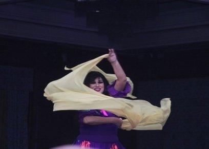 فيفي عبدة تنشر لقطات مجمعه من رقصتها في رأس السنة