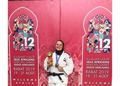 صاحبة أول ميدالية للفتيات بدورة الألعاب الإفريقية