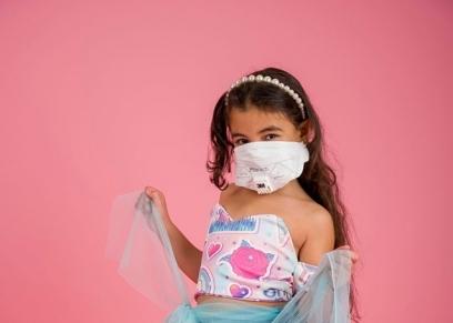 مصممة أزياء توعي الأطفال من خطر كورنا