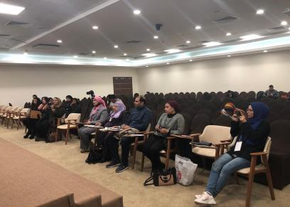 جانب من ندوة الأقلام النسائية المقامة بمعرض كتاب القاهرة الدولي