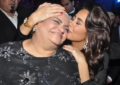 شيرين عبدالوهاب ووالدتها