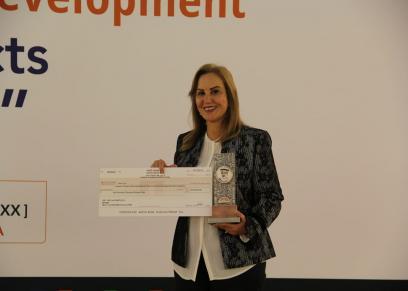 نوال مصطفى تتسلم جائزة «الأمير طلال الدولية» من ملكة اسبانيا بالأمم المتحدة