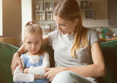 استشاري نفسي توضح الكلمات التي لا يجب أن يسمعها طفلك