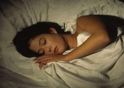 زيادة وزن النساء اثناء مشاهدة التلفاز قبل النوم