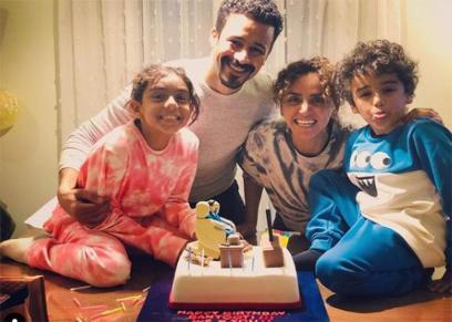 علا رشدي ومحمد داود وأطفالهما