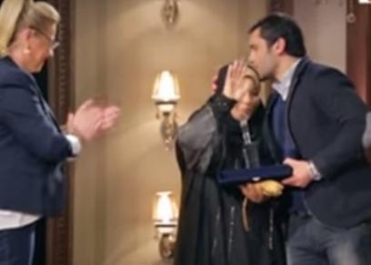 الصقر أحمد حسن ووالدته