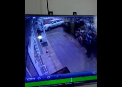 بالفيديو| نجاة طفلة سقطت من الطابق الخامس على يد سائق تاكسي