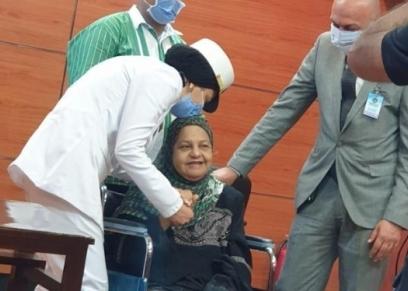 سيدة مسنة تعانى من ورم سرطاني بالفك