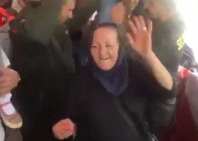 عجوز تشعل أجواء الانتخابات في مدينة نصر بوصلة رقص