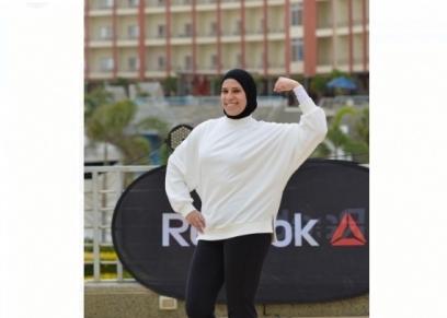 مدربة لياقة بدنية تقدم مجموعة تمارين رياضية للتخلص من الدهون