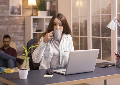 الرجال اكثر انتاجية من النساء اثناء العمل من المنزل