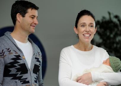 رئيسة وزراء نيوزيلاندا تظهر لأول مرة في اجتماعات الأمم المتحدة برفقة ابنتها نهاية الأسبوع