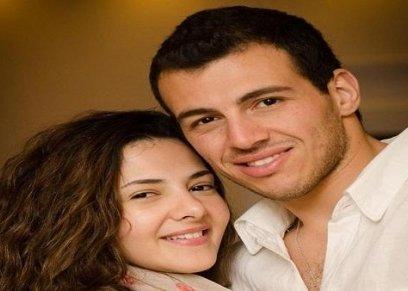 بالصور| رامي رضوان يتغزل في زوجته: