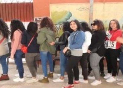 فتيات شاركن في الاستفتاء