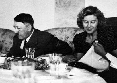 متذوقات هتلر