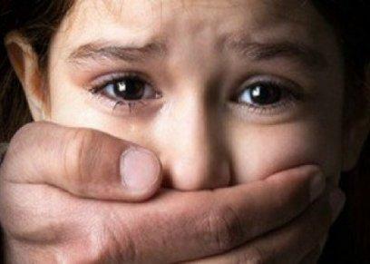 4 أشخاص يتنابون على اغتصاب طفل سوداني عدة أيام