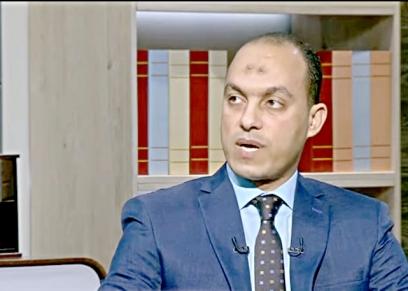 الدكتور أيمن عبدالعزيز