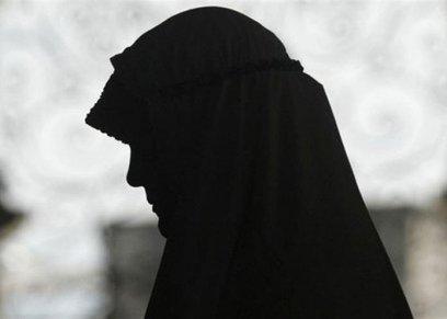 حكم تغسيل الزوجة زوجها المتوفى