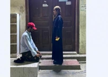 يمنية تقيم في جدة.. تفاصيل جديدة في واقعة سجود شاب لفتاة أمام مسجد بالسعودية