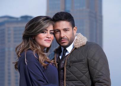 محمد حماقى يحتفل مع زوجته بمناسبة عيد الحب..