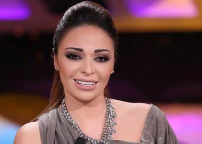 دليا البحيري تدلى بصوتها في الانتخابات