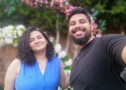 إسراء زارع وزوجها