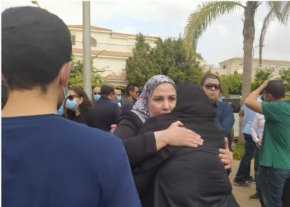وزيرة التضامن الاجتماعى تقدم واجب العزاء في وفاة فرخندة حسن