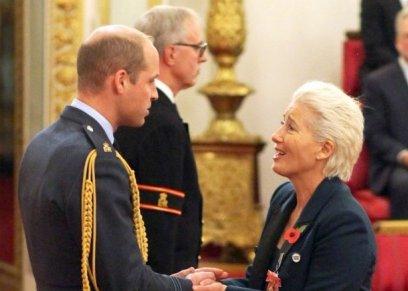 بالصور| الأمير ويليام يرفض تقبيل إيما تومسون