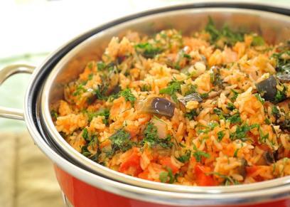 أرز بالباذنجان والطماطم