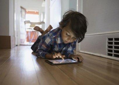 استخدام الأطفال للهواتف المحمولة