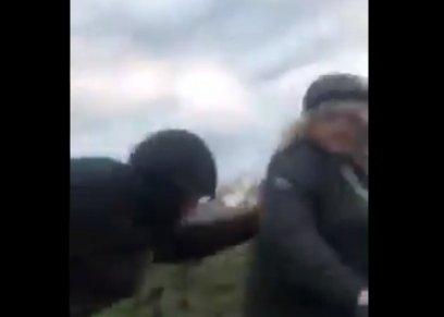 فيديو لاعتداء على سيدة في الطريق يثير الغضب