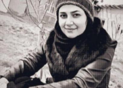 لاعبة كرة القدم الإيرانية إلهام شيخي