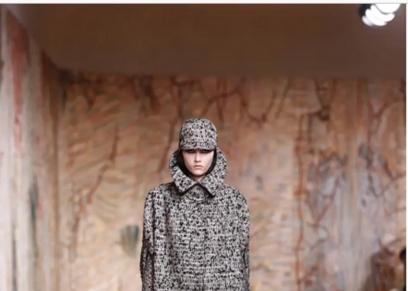 دار «كريستيان ديور» للأزياء الراقية تنظم أسبوع الموضة بـ «باريس»