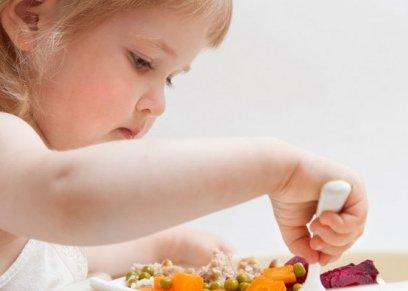 5 طرق لإقناع الأطفال بتناول الأطعمة الصحية