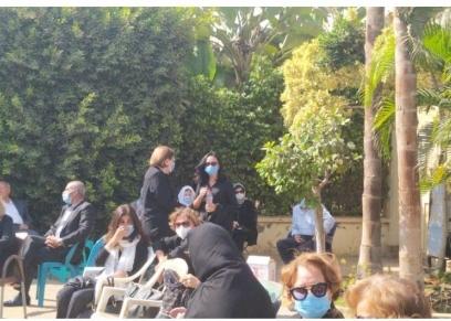 مايا مرسي تصل لعزاء أسرة فرخندة حسن