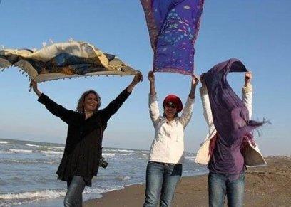 فتيات يخلعن الحجاب في المصايف والأفراح والسوشيال ميديا