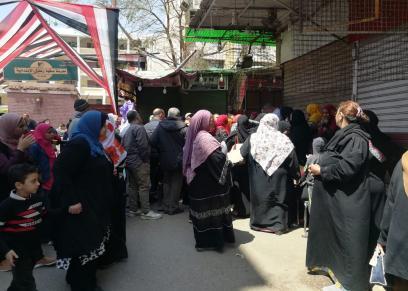 طوابير السيدات تحتل المشهد في الاستفتاء علي الدستور ببولاق الدكرور