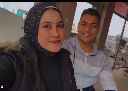 مصطفى محمد وزوجته