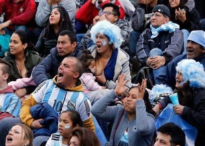 المشجعة الأرجنتينية