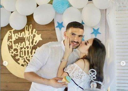 محمد عواد وزوجته