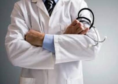 مفارقات القدر.. طبيب يدهس طفلة بعدما عالجها