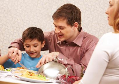 تعليم الأطفال اتيكيت تناول الطعام