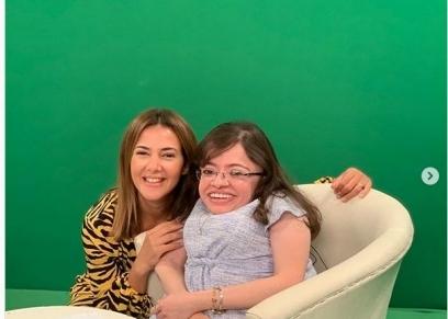 دنيا سمير غانم تلبي رغبة فتاة من ذوي الإعاقة