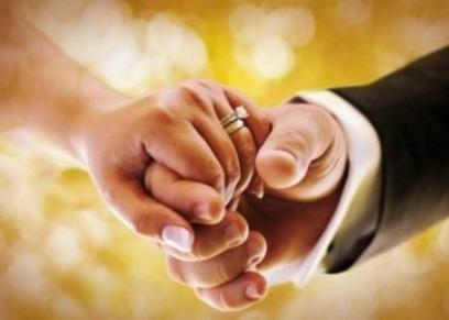 حكم اشتراط العصمة في يد الزوجة