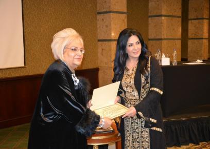 تكريم الفنانة الأردنية عبير عيسى عن مشوارها الفنى خلال فعاليات ملتقى الثقافة العربية
