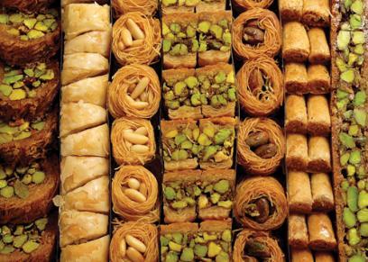استشاري تغذيه تقدم شروط تناول الحلوى في رمضان