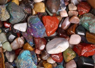 استخدمي الاحجار الكريمة للتخلص من الامراض والوقاية من الحسد