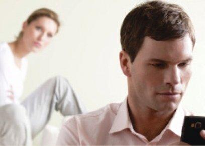سيدة تروي لـ هن معاناتها من شك الزوج المستمر لها.. وطبيب نفسي: دي غيرة مرضية