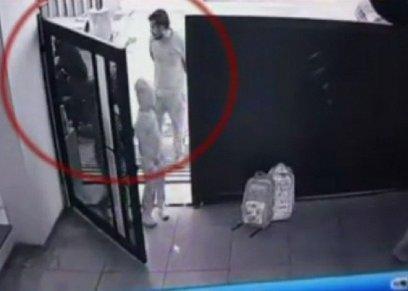 بالفيديو| اختطاف طفل هندي أمام والدته