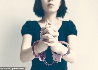 صينية تحرق والدتها لرفضها الزواج من حبيبها